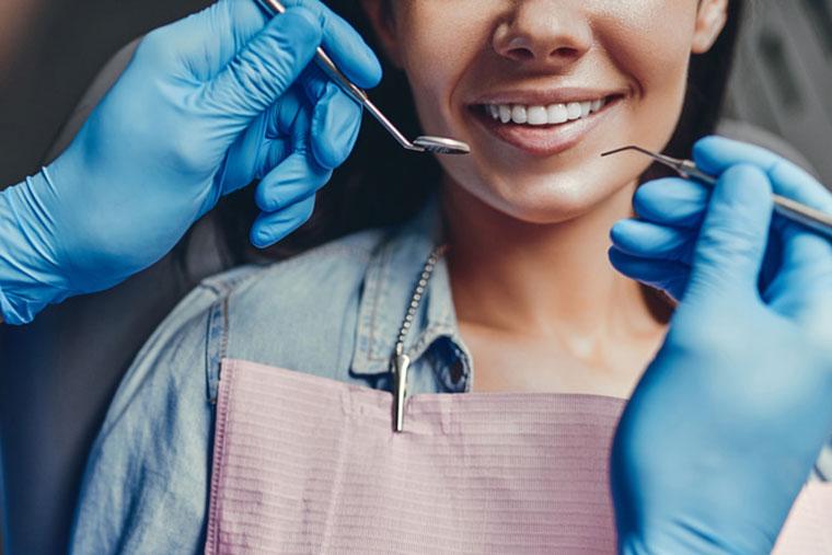 Bleaching von Zähnen bei Zahnarzt Dr. Hoffmann in Landshut